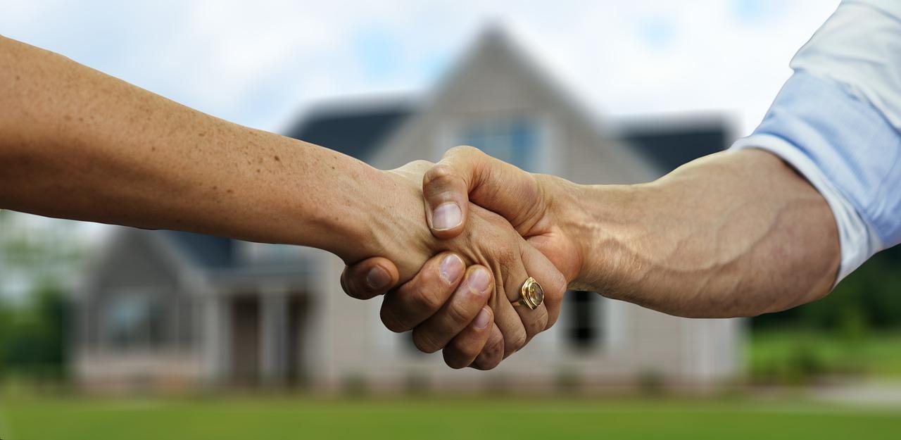 Acquisto seconda casa: consigli, tasse e spese notarili