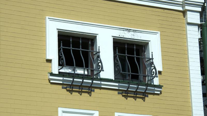 Grate per finestre tutti i modelli i costi e i materiali - Grate alle finestre ...