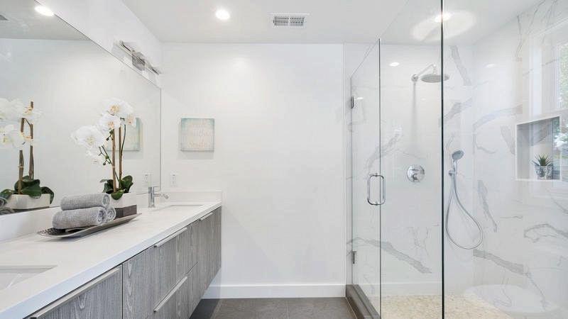 Smaltare Vasca Da Bagno Prezzi : Smaltare la vasca da bagno: prezzi vernici fai da te