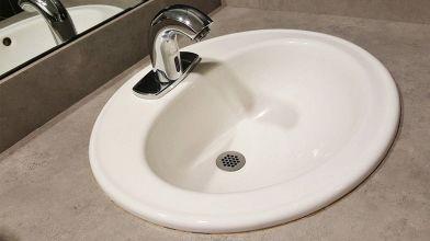 Vasca Da Bagno Altezza Standard : Qual è laltezza giusta per il lavabo del bagno?