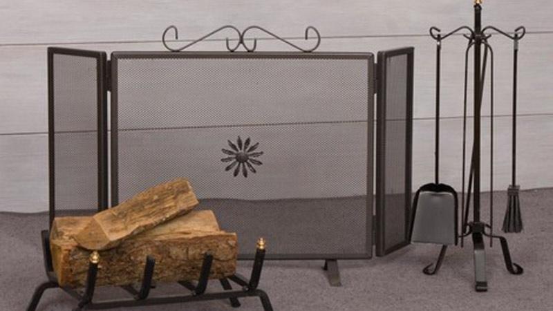 Biocamino e tv su parete attrezzata