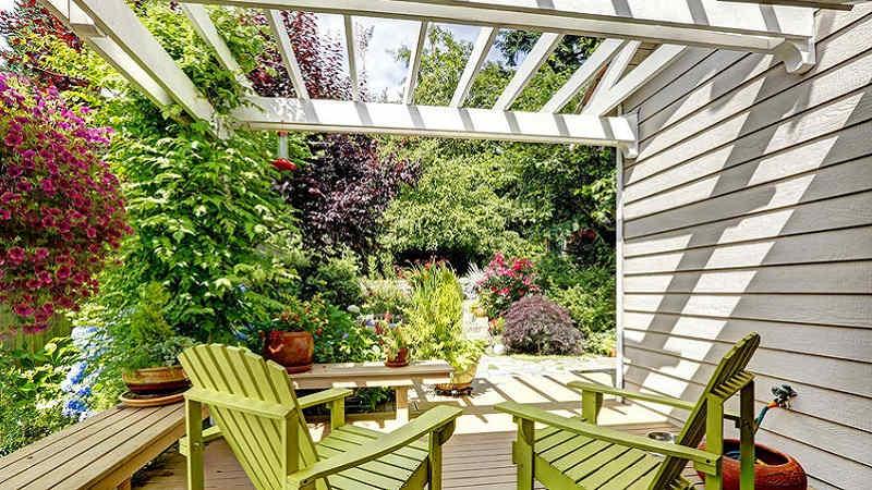 Casetta In Giardino Permessi : Con la pergotenda ti godi il giardino anche in autunno