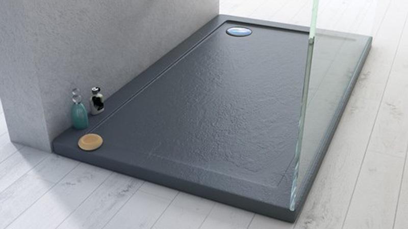 Piatto doccia con sassolini: vendita di piatti doccia in pietra e