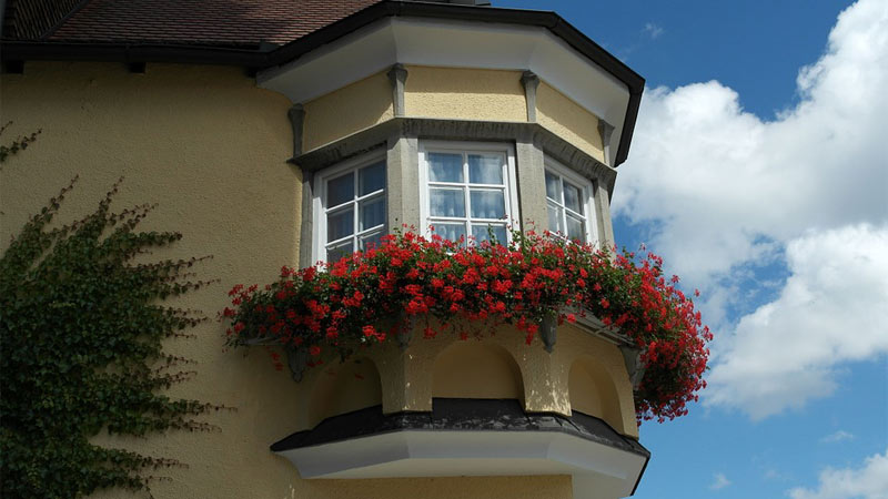 Come arredare la finestra a bovindo for Preventivo arredamento casa