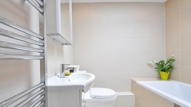 Verniciare Vasca Da Bagno : Smaltare la vasca da bagno: prezzi vernici fai da te