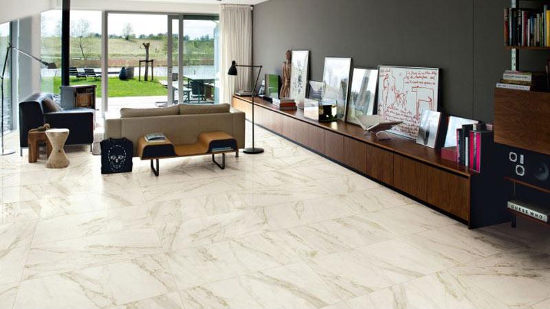 Pro e contro del finto marmo per i pavimenti