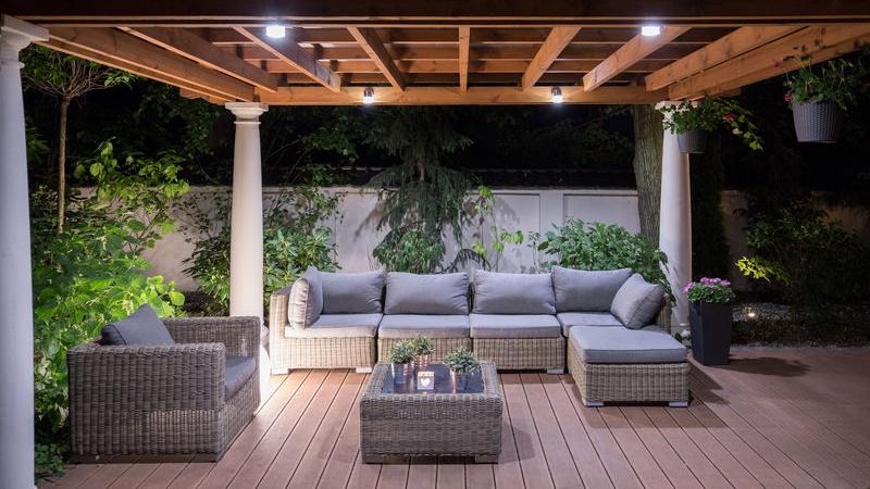 Illuminazione casa tutti gli errori da non fare - Illuminare giardino senza corrente ...