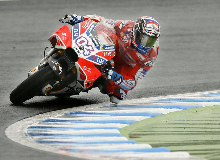MotoGp, l'italiano Dovizioso trionfa in Giappone