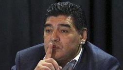 Maradona incorreggibile, telefonata in tv e insulti al nipote
