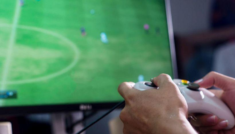 Lascia il lavoro per diventare pro gamer di Fifa: come vive oggi