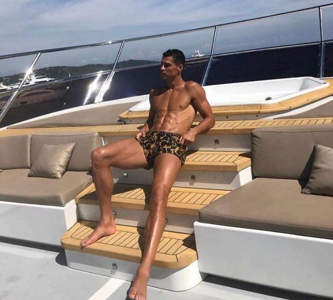 """Crouch: """"Ronaldo si guardava nudo allo specchio e..."""""""