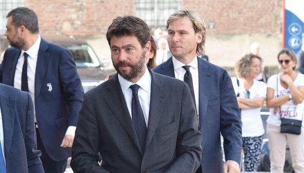 Andrea Agnelli fa 43 anni e ora cammina da solo