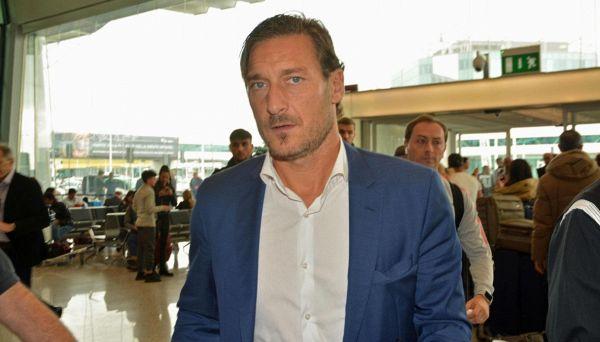 Totti, Rocchi e Var: è bufera sui social