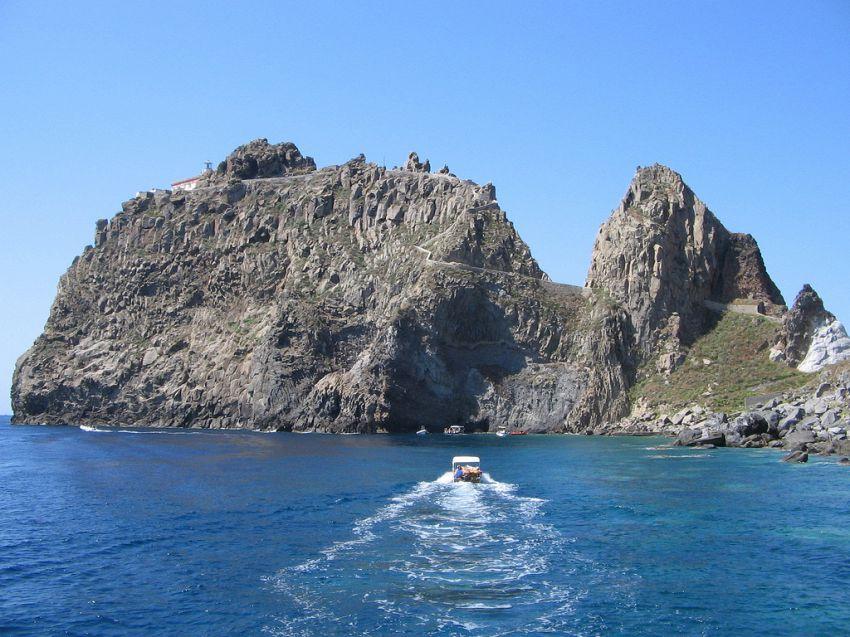 Ponza e dintorni: cosa vedere e come raggiungere le bellissime isole