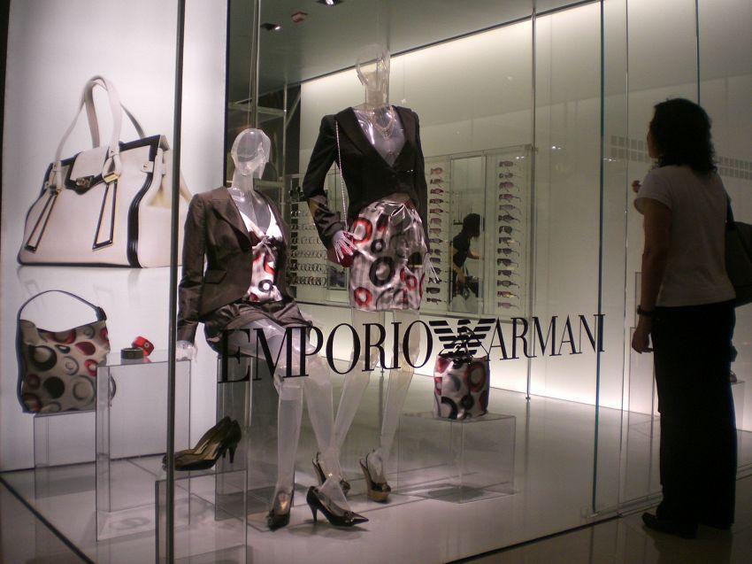 Collezione Armani: guida alla scelta della borsa più chic