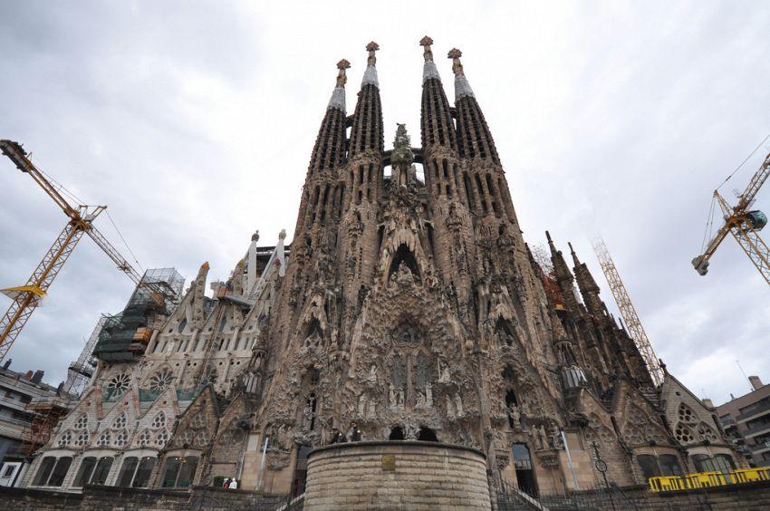 Sagrada Familia: le origini e le caratteristiche dell'opera