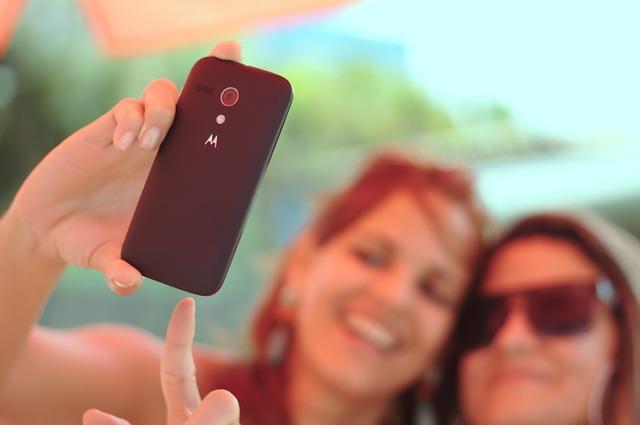 Le cinque regole d'oro per ottenere il selfie perfetto