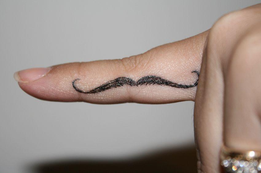 I tatuaggi di Chiara Biasi diventano tendenza sul web