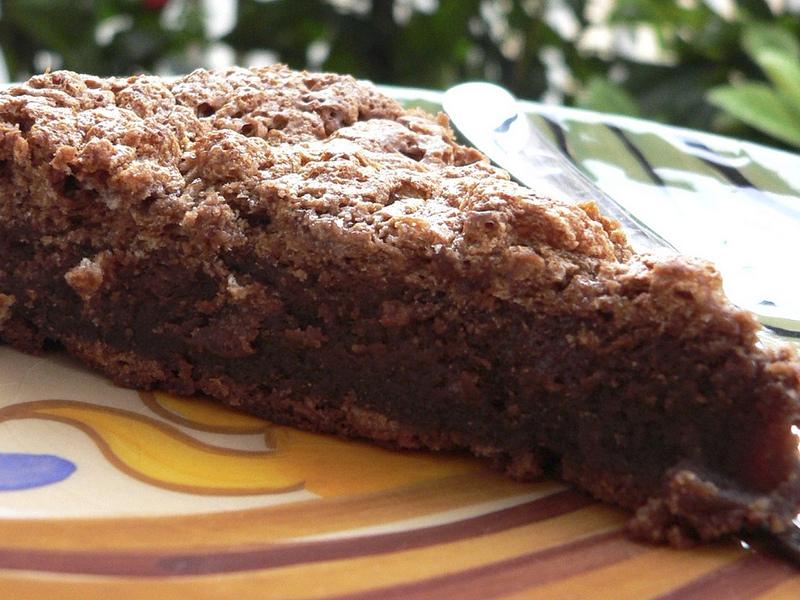 La golosa torta al cioccolato si prepara in poche semplici mosse
