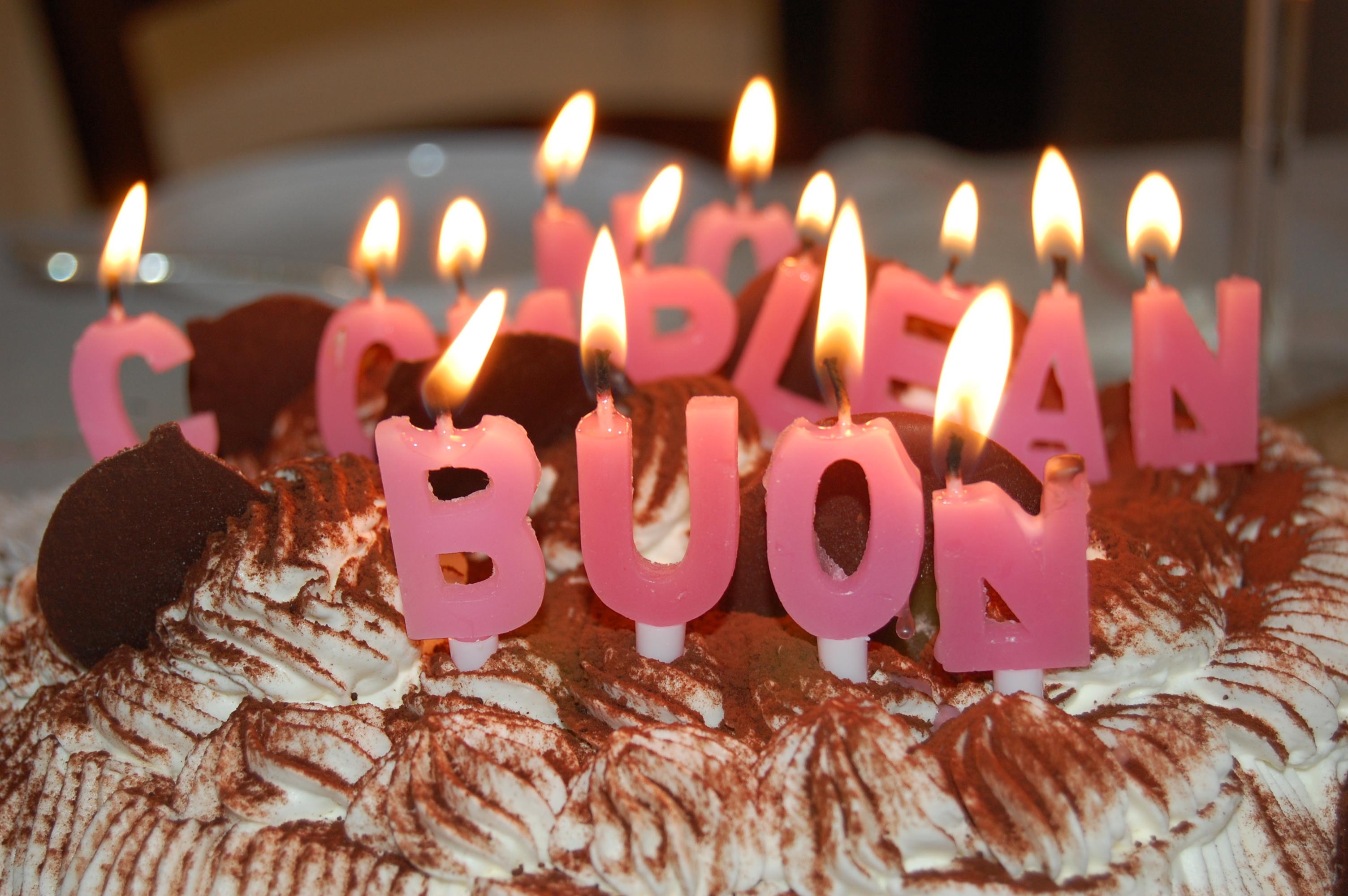 Auguri Di Compleanno Dove Trovare Le Frasi In Internet Supereva