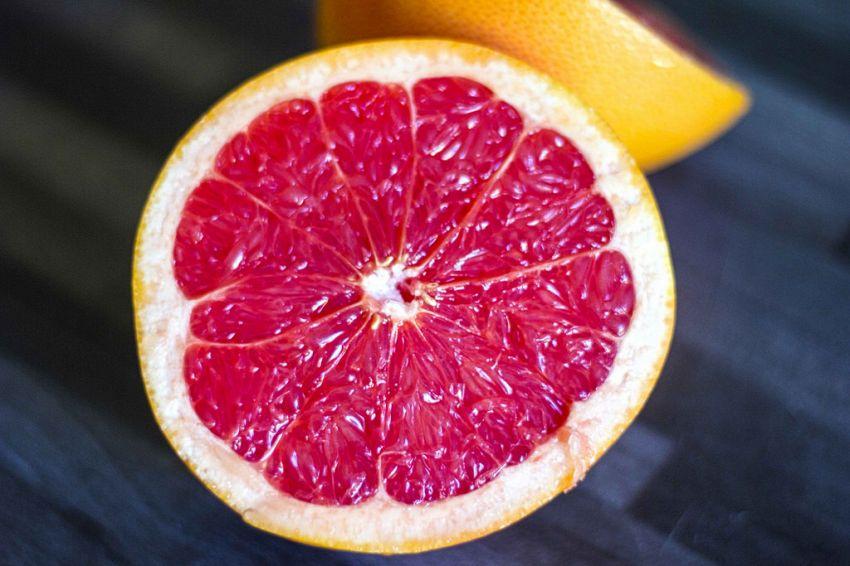 Pompelmo rosa, tutti i benefici per il fisico e la bellezza