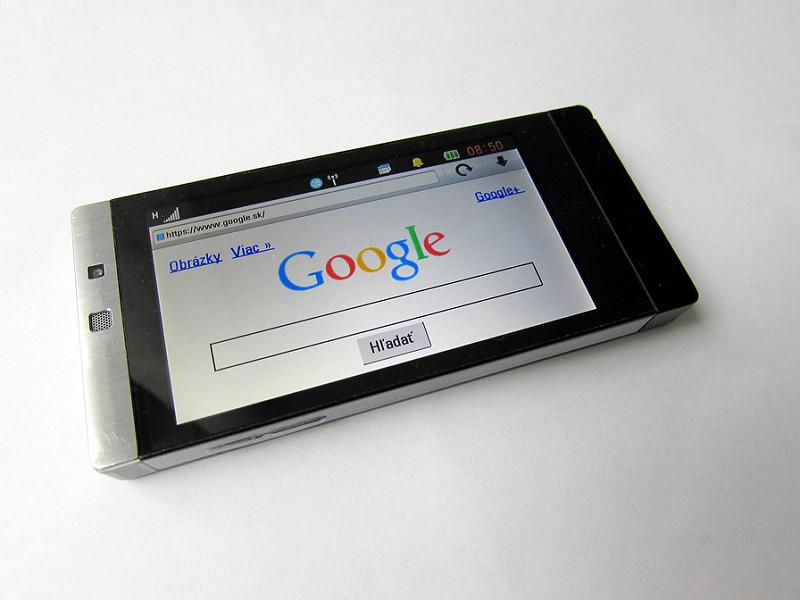 Come pulire e disinfettare uno smartphone usato
