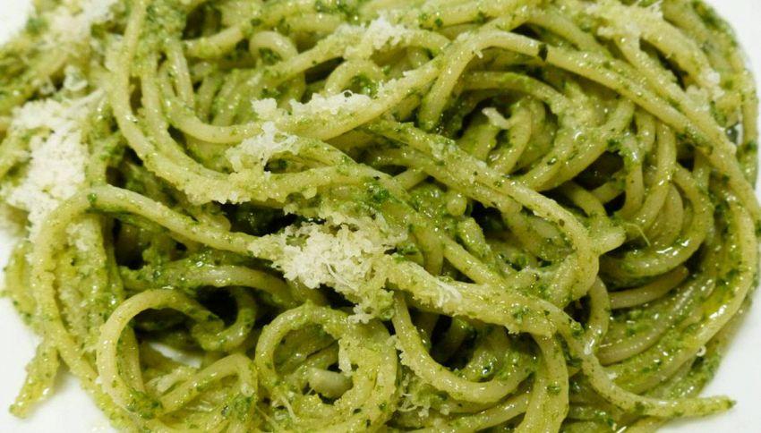 Pesto di basilico e noci: ingredienti e segreti di preparazione