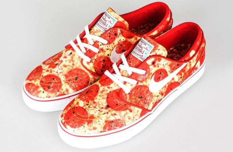 Nike presenta le 'pizza ai peperoni', le nuove scarpe da ginnastica