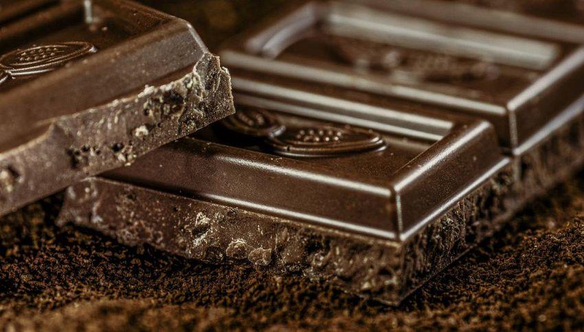 Sì al cioccolato fondente, come mangiarlo senza ingrassare