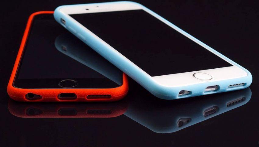 Lo smartphone ritorna tra i banchi di scuola: siete d'accordo?