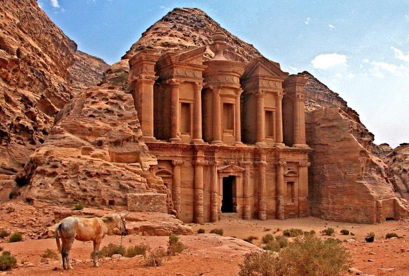 Un drone scopre un nuovo gigantesco monumento a Petra