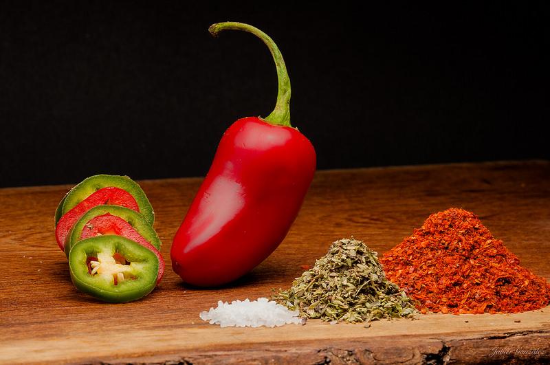 Perché mangiare piccante aiuta contro il caldo e altri consigli