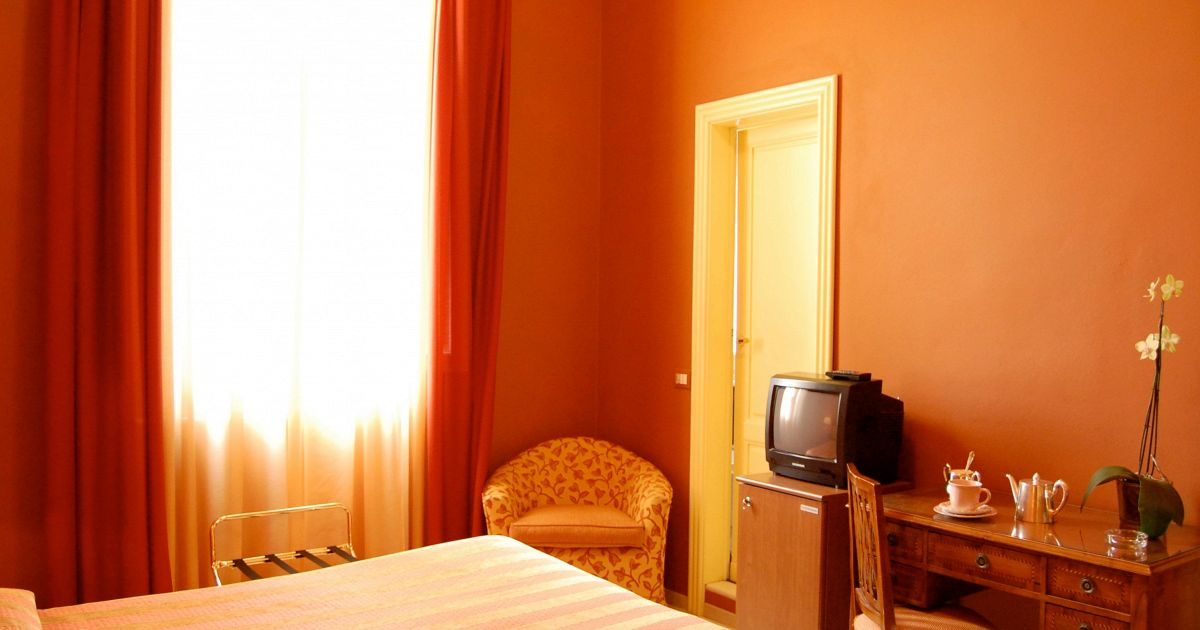 Le cose pi pazze che avete fatto in una camera d 39 albergo - Non dirgli mai che siamo stati a letto ...