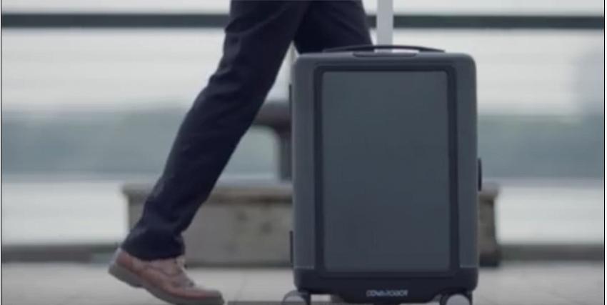 La valigia che ti segue fedele, il nuovo migliore amico dell'uomo