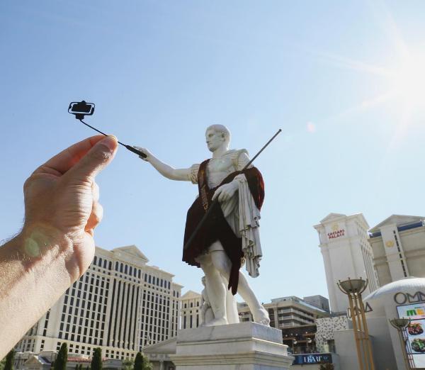 Fotografia: come trasformare i monumenti con semplici pezzi di carta