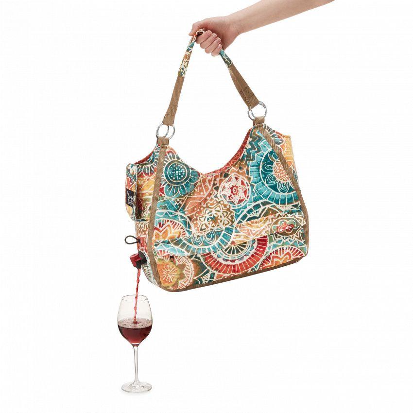 Come nascondere un litro di vino in una borsa (col tappo)
