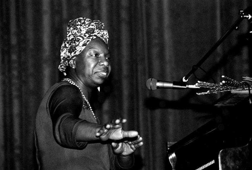 Nina Simone, biografia e successi di un genio musicale