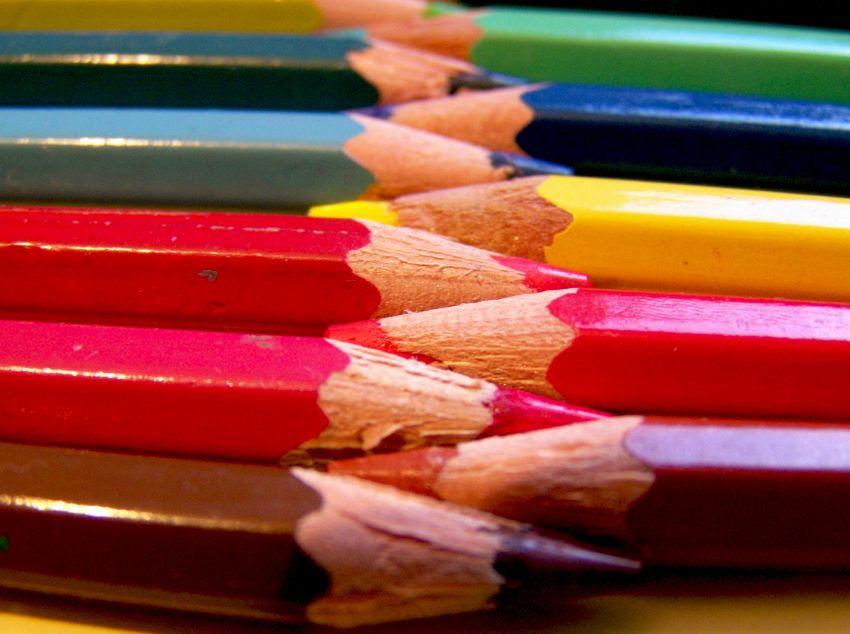 I libri da colorare per adulti causano scarsità di matite