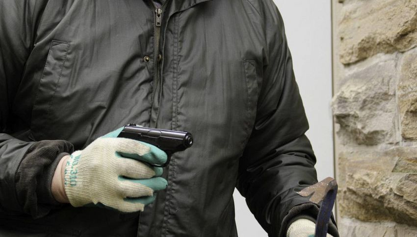 11 consigli per difendersi dai ladri in casa quando siete in vacanza