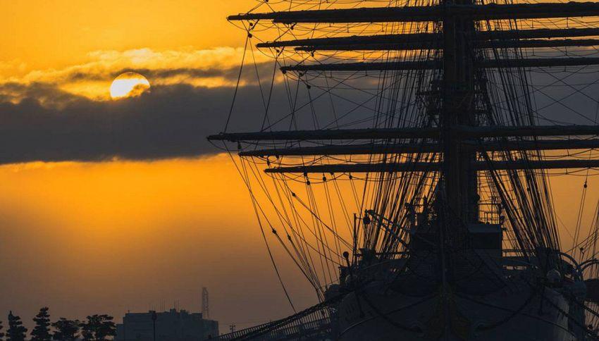 La nave del pirata Barbanera è in mostra, con tanto di oro e cannoni