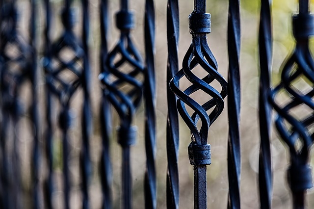 Ringhiere in ferro battuto fai da te supereva - Ringhiere in ferro battuto per balconi esterni ...