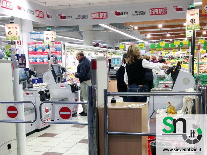 Le casse automatiche dei supermercati spingono la nostra mente a rubare