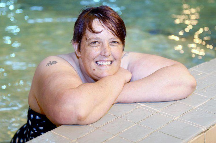 Si fa la doccia dopo 30 anni, una donna conquista la sua più grande paura