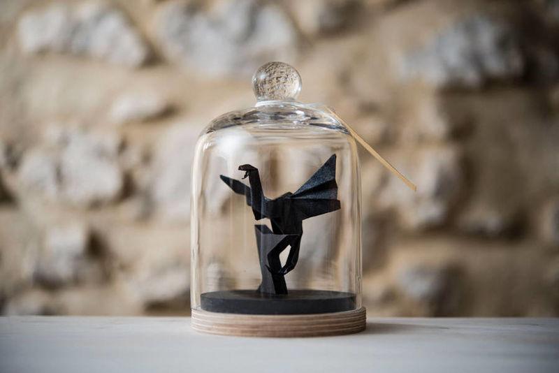 Soprammobili origami, la semplicità e l'eleganza sotto vetro