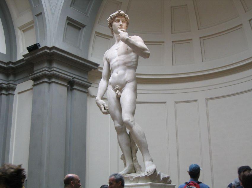 Perché le statue dell'antichità classica hanno il pene piccolo?