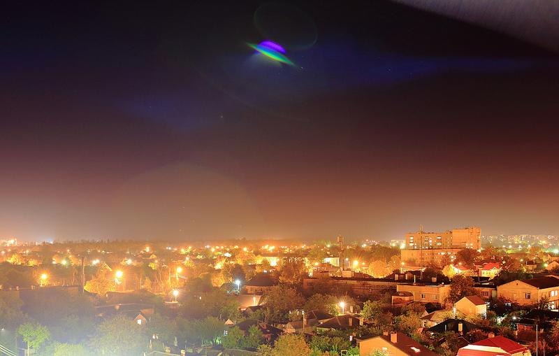 Nuovi segnali radio dallo spazio, gli alieni ci contattano?