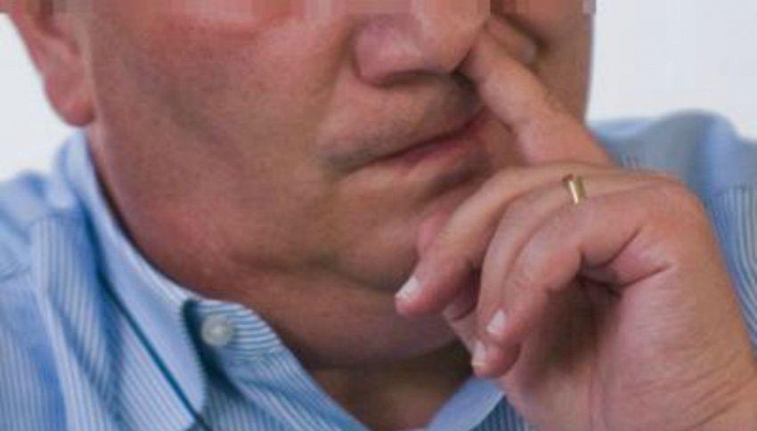 Perché mettiamo le dita nel naso? Ce lo dice la scienza
