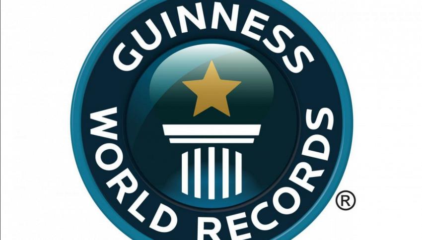 Guinness dei primati 2017, dal gatto più lungo alla bocca più grande