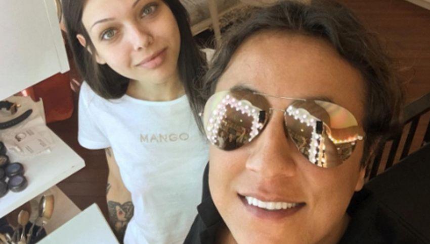 Anar Agakishiev:  make-up artist che trasforma le donne ringiovanendole
