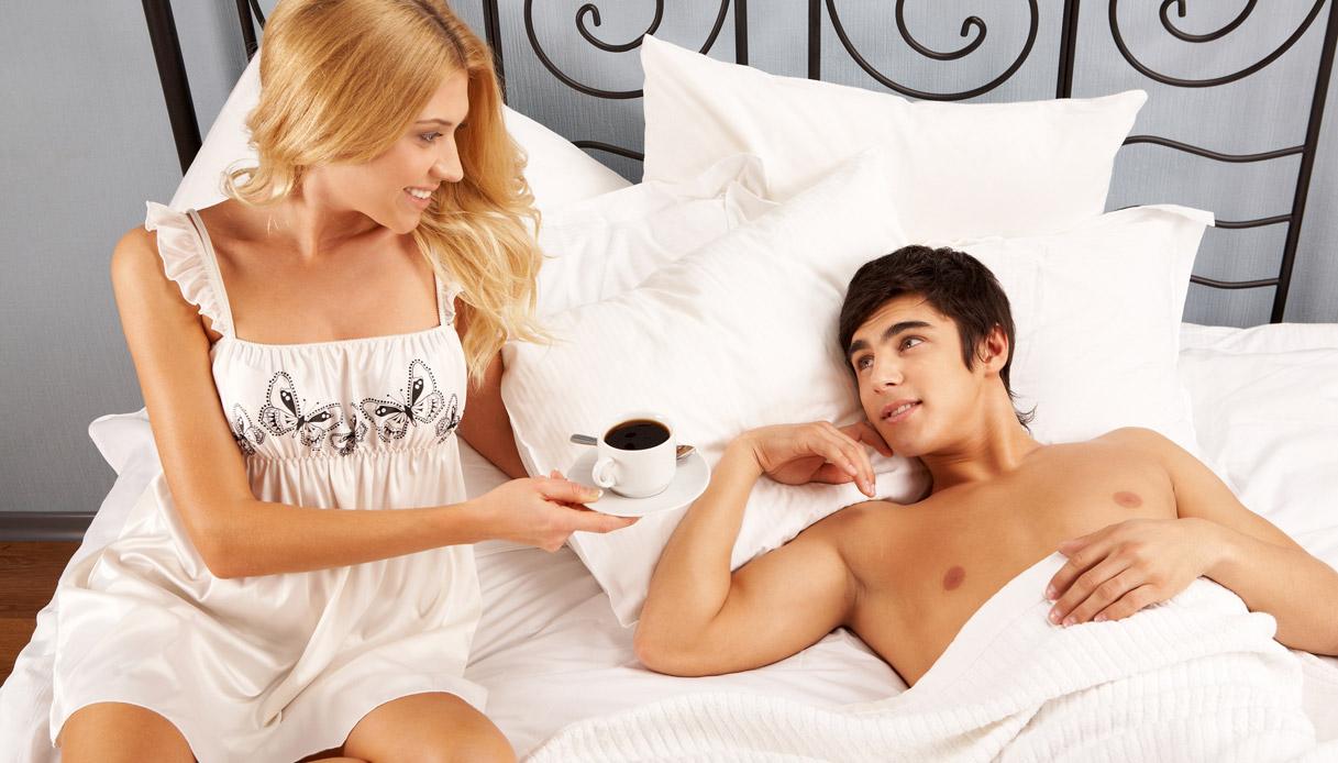 Утро начинается с миньета, утренний минет: порно видео онлайн, смотреть порно на 20 фотография